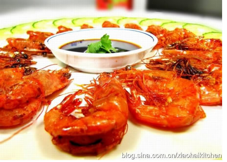 食谱大全 酒糟虾的做法  主料: 明虾 红酒糟  辅料: 葱段 姜片 蒜片