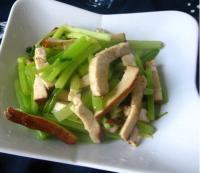 芹菜拌炒香干的做法