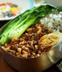 简化版台湾卤肉饭的做法