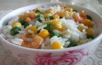 玉米虾仁蛋炒饭的做法