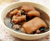 猪蹄黑豆汤的做法