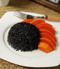 黑香米椰浆水果饭的做法