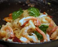 北极虾冷拌米粉的做法