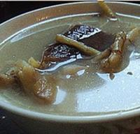 鱼腥草鲫鱼汤的做法