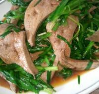 韭菜炒猪肝的做法