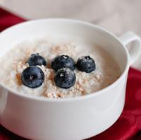 奶香蓝莓燕麦粥的做法