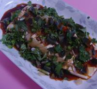 拌皮蛋豆腐的做法