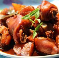 土豆炖猪蹄的做法