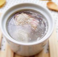 茯苓山药骨头汤的做法