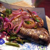洋葱烤罗非鱼的做法