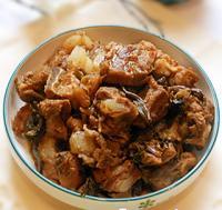 豆角干梅菜焖猪软骨的做法