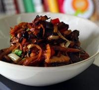 酸笋炒酱油肉的做法