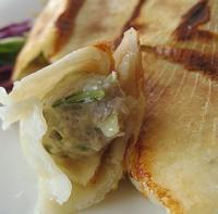 双菇海蛎子锅贴的做法