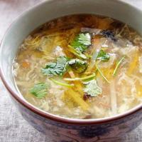 酸笋三鲜汤的做法