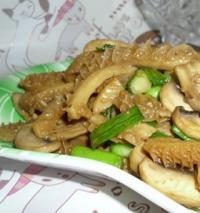 口蘑炒牛肚的做法