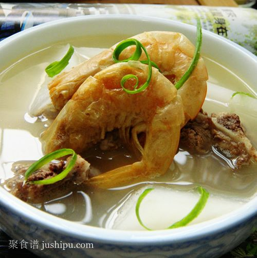 白萝卜虾干排骨汤的做法
