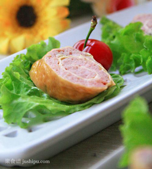 豆皮与肉馅的完美结合 蜜汁烟熏豆皮卷的做法 jushipu.com