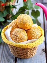 豆沙芝麻面包的做法