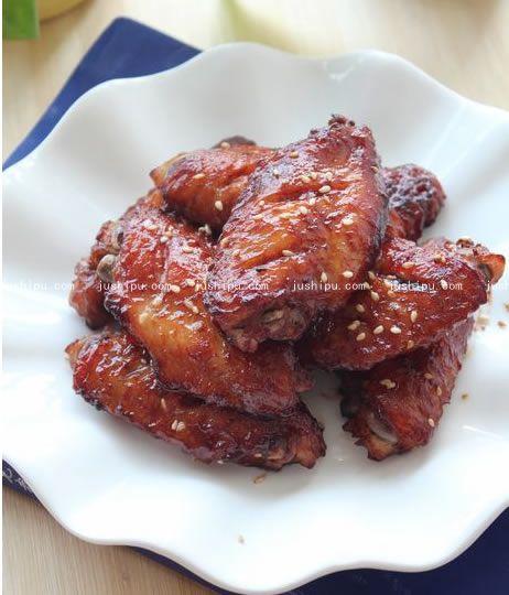 腐乳烤鸡翅的做法 jushipu.com