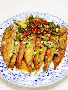 香辣鹦鹉鱼的做法