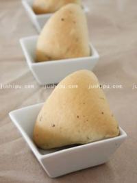 红枣豆沙三角包的做法