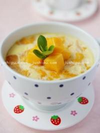小点心 奶香芒果炖蛋的做法