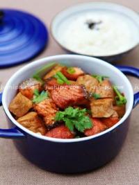 三文鱼炖豆腐的做法