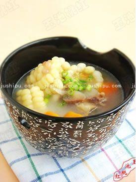 胡萝卜玉米骨头汤的做法