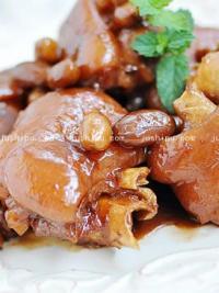 腐乳花生炖猪蹄的做法