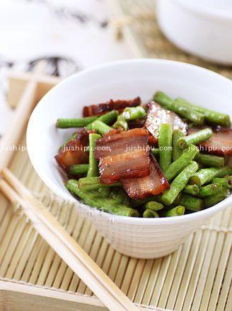 腊肉炒豆角的做法 jushipu.com