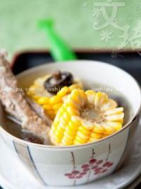 煲汤 香菇玉米肋排汤的做法