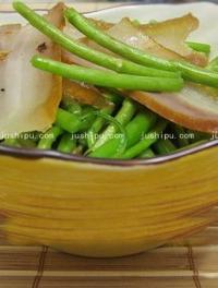 芦蒿熏肉小炒的做法