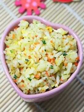 胡萝卜青菜肉蛋炒饭的做法