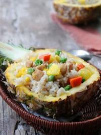 菠萝肉丁炒饭的做法